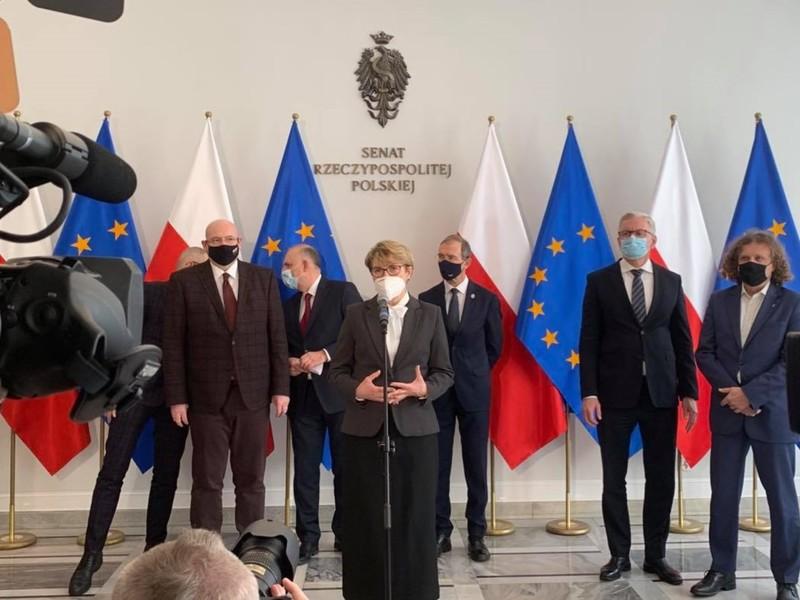 - Nieznana jest metodologia podziału i rola regionów we wdrażaniu pieniędzy na nową perspektywę – mówiła marszałek Elżbieta Anna Polak podczas konferencji w Senacie.