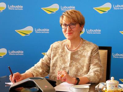 Marszałek Elżbieta Anna Polak podczas inauguracji Lubuskiego Forum Innowacji