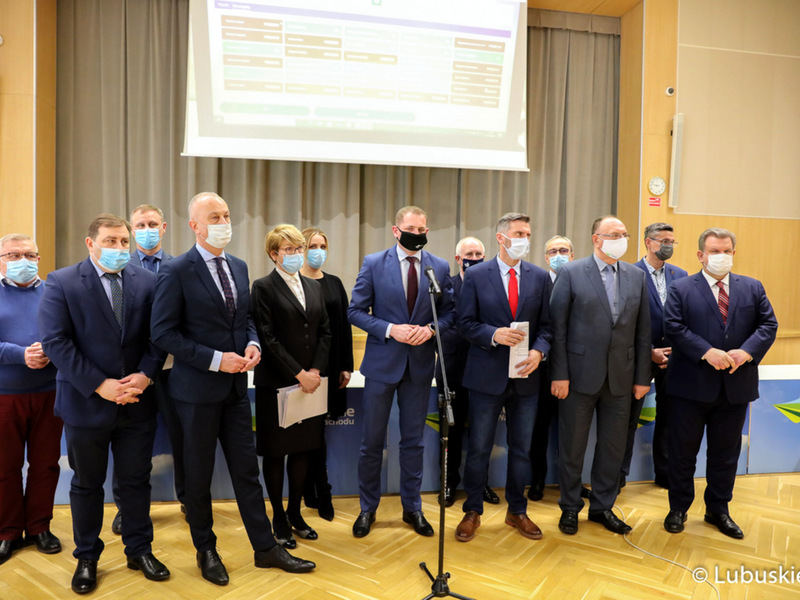 Konferencja prasowa w sprawie odrzucenia poprawek do budżetu województwa lubuskiego