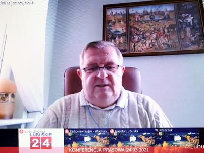 Konferencja prasowa dot. budowy ścieżki rowerowej Zielona Góra - Marzęcin - NIedoradz - Otyń oraz zakupu działki w Nowym Kisielinie. Na zdjęciu członek zarządu Tadeusz Jędrzejczak.