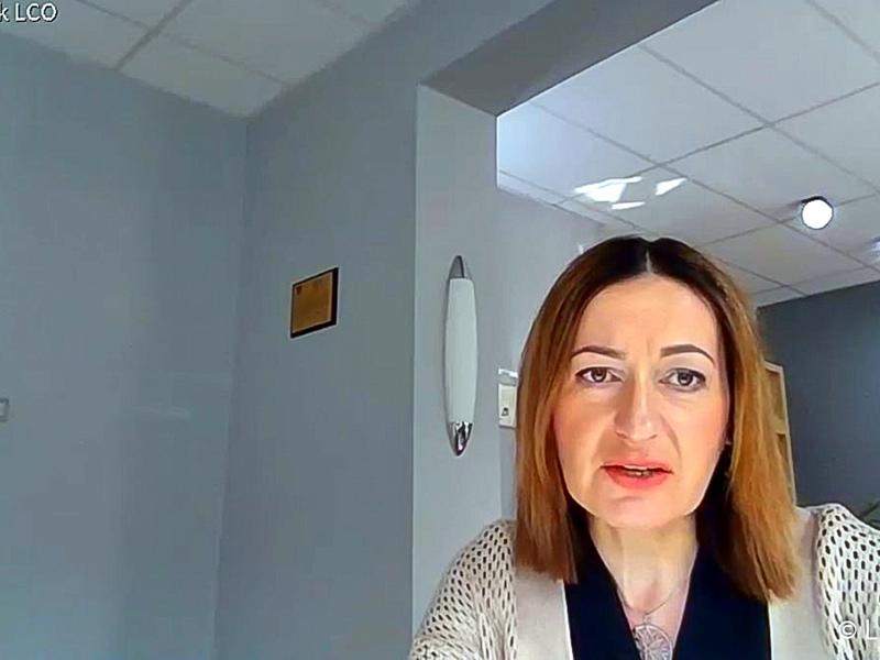 Konferencja prasowa nt. rozliczenia szpitali z NFZ oraz stanu epidemicznego w lubuskich lecznicach. Na zdjęciu prezes Lubuskiego Centrum Ortopedii w Świebodzinie (dawniej LORO), Elżbieta Kozak.