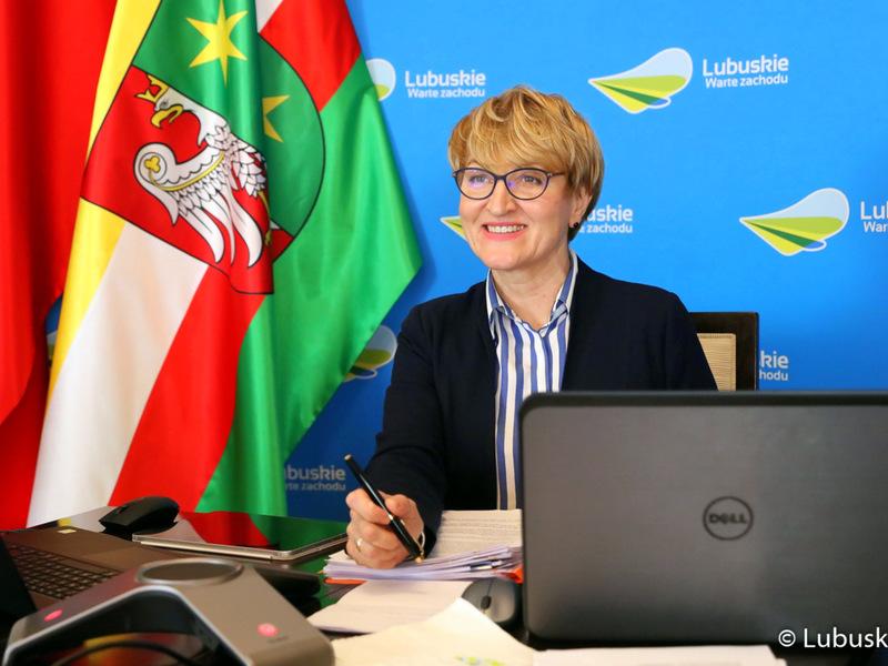 Sesja Sejmiku Województwa Lubuskiego - 12 kwietnia 2021 r. Na zdjęciu marszałek Elżbieta Anna Polak.