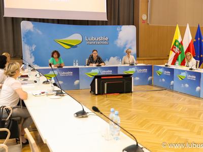 Posiedzenie Wojewódzkiej Rady Kobiet - plan ogólny
