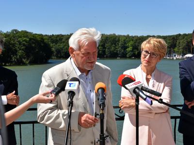 Prof. Andrzej Horban i marszałek Elżbieta Anna Polak