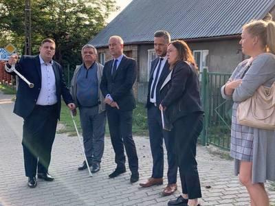 Spotkanie członka zarządu Marcina Jabłońskiego z sołtysem Kunowic Pawłem Sokołowskim.