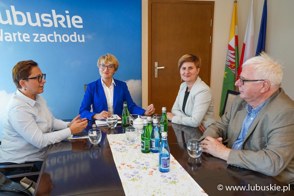 Marszałek Elżbieta Anna Polak i burmistrz Drezdenka