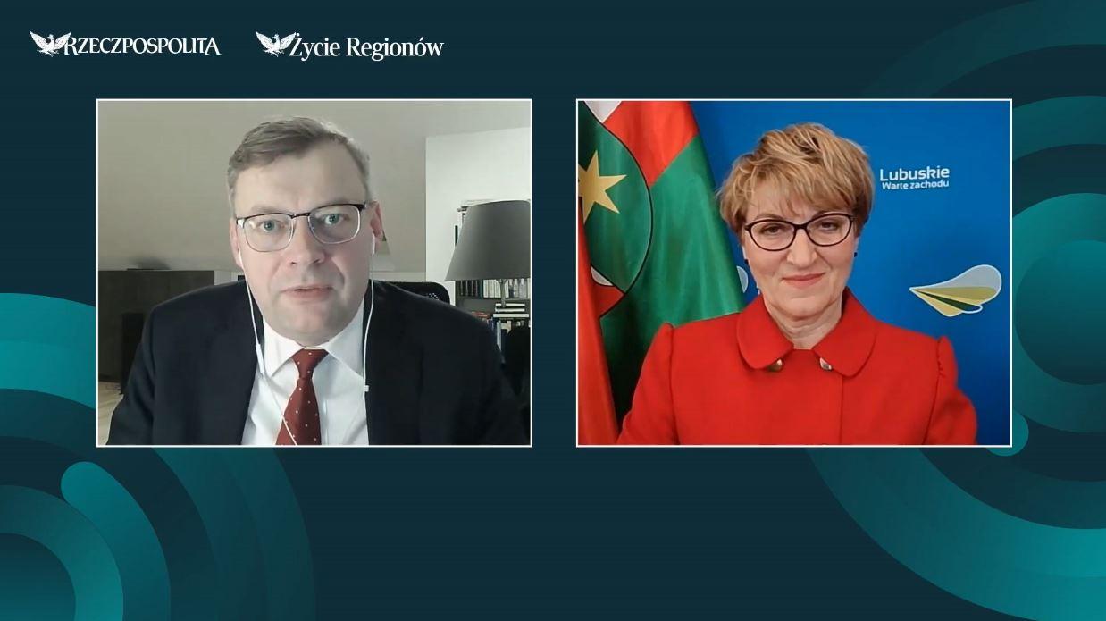 Od lewej na ekranie: redaktor Marcin Piasecki, marszałek Elżbieta Anna Polak.